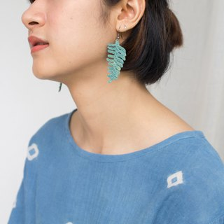 Leavely earrings: green fern