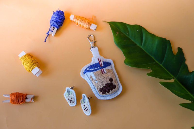 Pinkoi X Into the Jungle: Pearl Milk Tea embroidery workshop