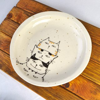 Plate designed 4 kinds of cats
