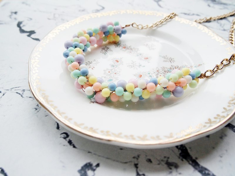 Lovely hand-woven BUN009_ pink colored jelly-based holding bubble Great Necklace