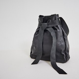 Broadband Tie Tote Shoulder Bag Black