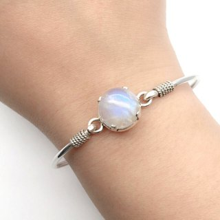 Moonstone sterling silver round claw set bracelet Nepal handmade mosaic production