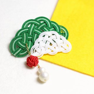 japanese style brooch / mizuhiki / japan / accessory / plants / green