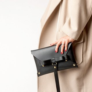 REAL LEATHER BOW CLUTCH  --   BLACK Lsize