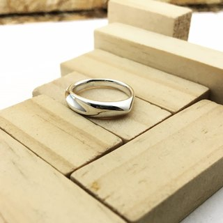 With round - sterling silver ring / fine version 03