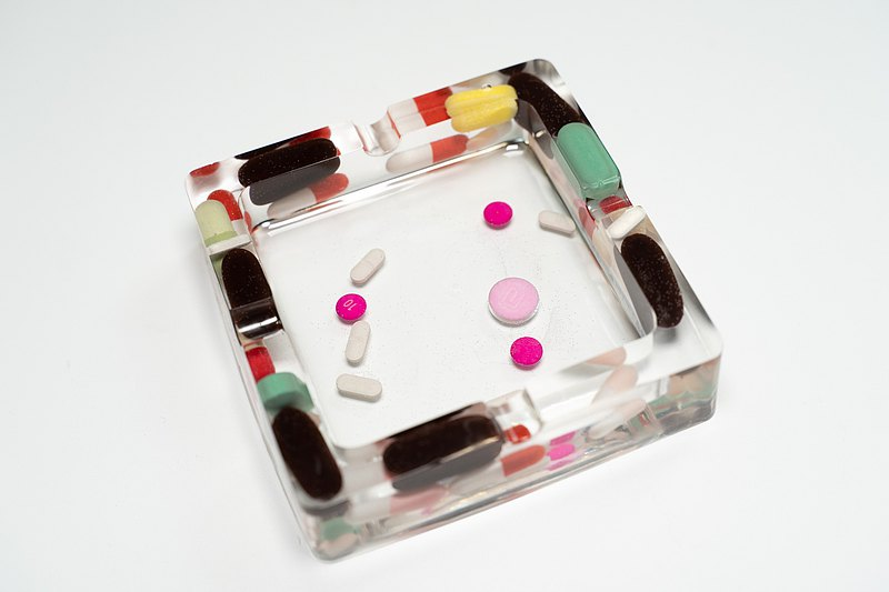 Pills no nutrition medicine ashtray candle holder