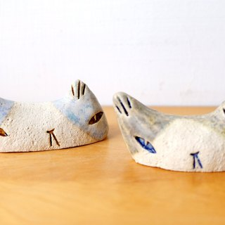 Cat Chopstick Holder/Pottery Paperweight
