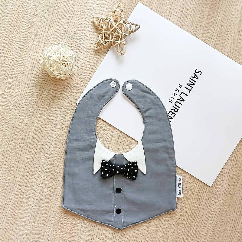 【小紳士圍兜系列D】 小V領領結鈕扣  六層紗圍兜 彌月禮盒小禮盒