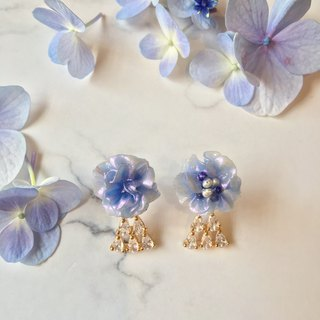 Stardust flower asymmetry on handmade earrings high tower
