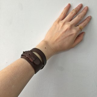 Double loop leather bracelet