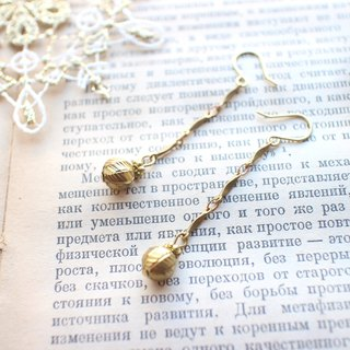 Wishes ballons-brass earrings