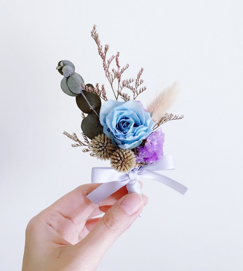 Small Blue Flowers For Weddings: {Journee} Blue Flowers Preserved Flowers Immortalized