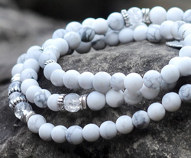 bold statement design. Chunky banded agate Bright yellow and white luminous gemstones alabaster calcite /& pearl necklace Long length
