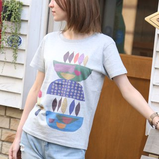 Printed Colorful Motif T-shirt - Gray x Blue type - women's / men's / unisex