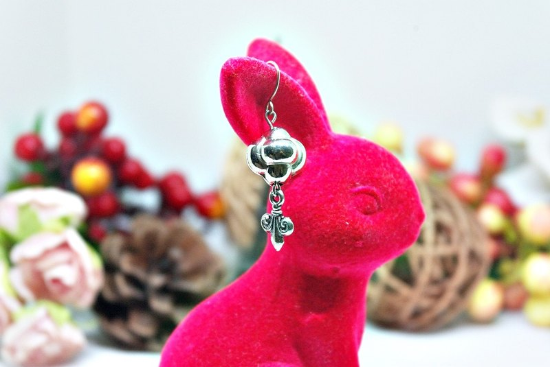 Alloy * Po * _ turn the ball hook earrings ➪ Limited X1