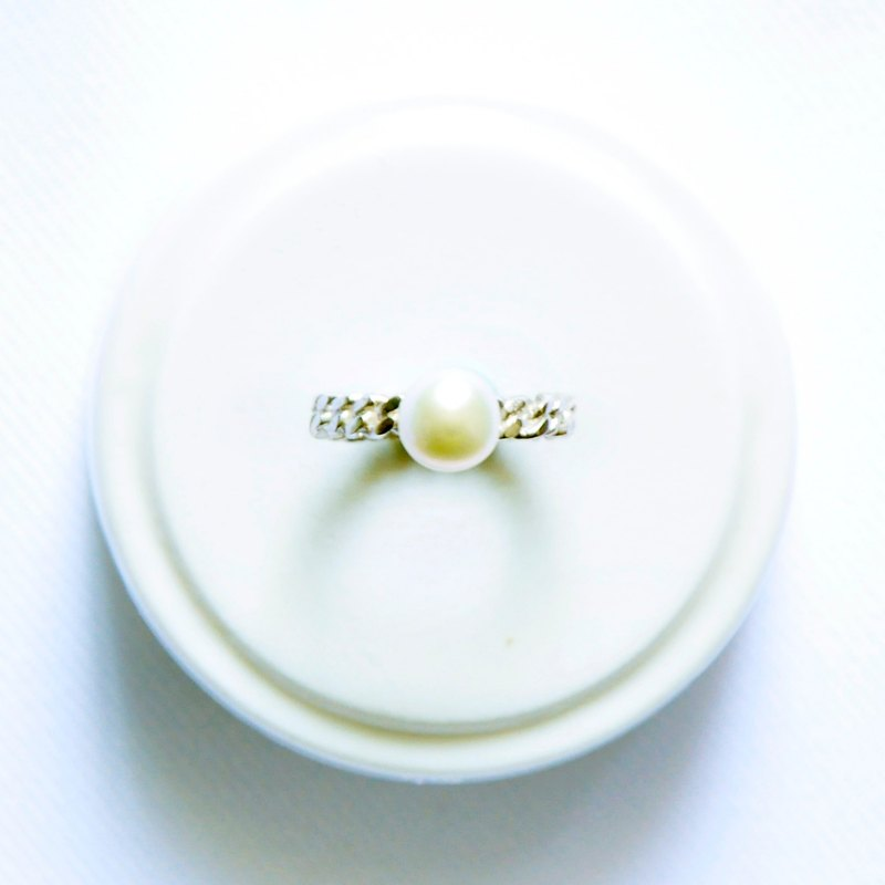 "Bochim Angel - ""White chain"" pearl silver ring"
