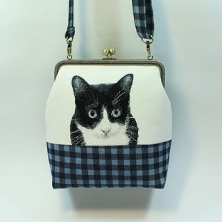 Mo-type mouth gold embroidery 20cm oblique backpack 06- black and white cat