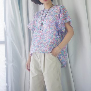 Design Handmade - Soft Color Matching Geometric Print Wide Sleeve Top