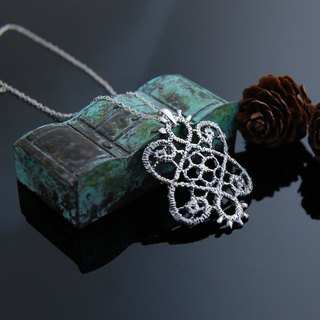 Lace walking necklace - number 2 - retro version
