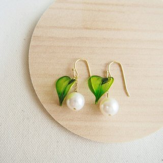 ivy leaf & freshwater pearl pierced earrings or clip-on earrings