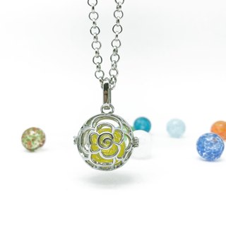 Diffuser Art Glass Locket Necklace - Cutout Rose Inside 12mm Snowflake Bead