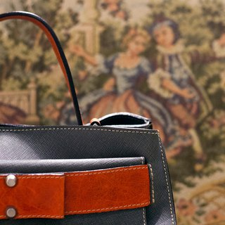 ITA BOTTEGA [Made in Italy] leather portable elegant bag