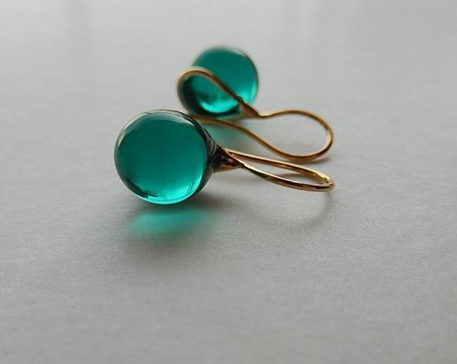 Teardrop - emerald green  Free Shipping in Asia