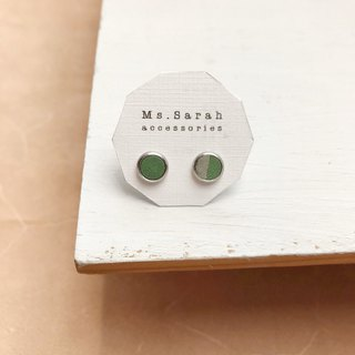 Leather earrings_ Round frame No. 3 works #6_Apple green with gray (can be changed)