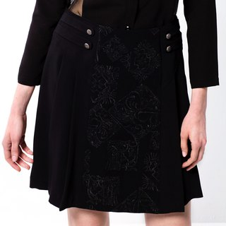 Palatial embroidery skirt