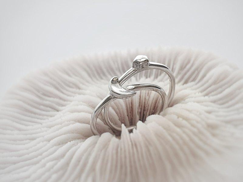極簡風。925純銀 (兩入組) 簡約星月開口戒指 耳骨夾 可調整大小