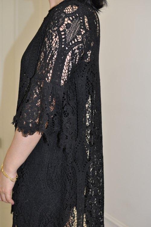 Flat 135 X 台灣設計師 宮廷風蕾絲洋裝 七分袖洋裝 袖口荷葉設計 兩件件式穿搭 下擺蕾絲波浪 簡單 派對穿搭 婚禮穿搭
