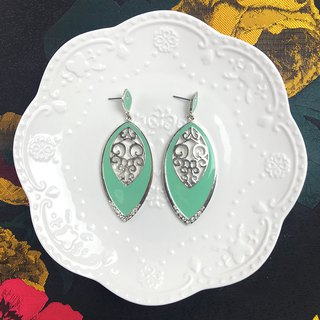 Powder green metal carved antique earrings BLA037