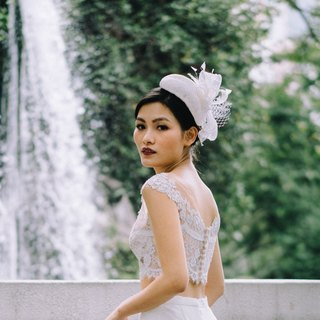 Bridal millinery/ white sinamay cocktail hat with statement bow