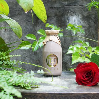 Tanaka Soybean Nine Rose Black Soybean Milk Spring Limited
