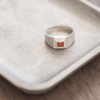 Square garnet twisted ring silver 925