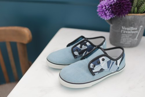 Intellectual. Geometric blue children's shoes
