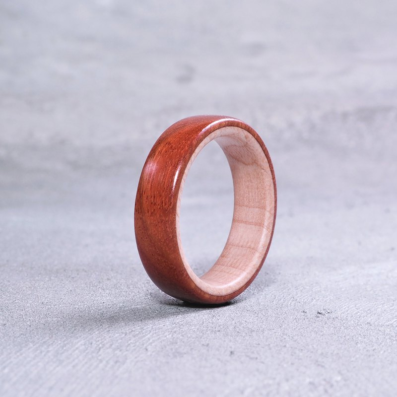 Classic wooden ring Red x Maple