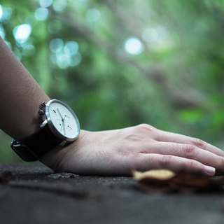 Minimal Watches : MONOCHROME CLASSIC - PEARL/LEATHER (Black)