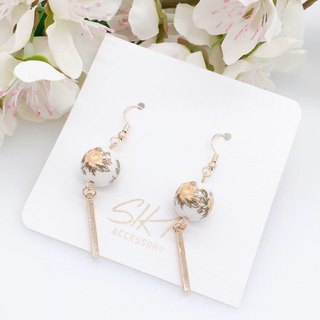 【Can change to ear clips】Japanese painted bead with golden bar earrings