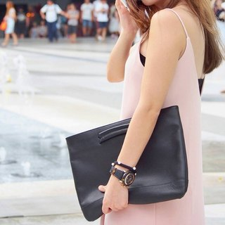 Kent Leather Clutch in Black Color