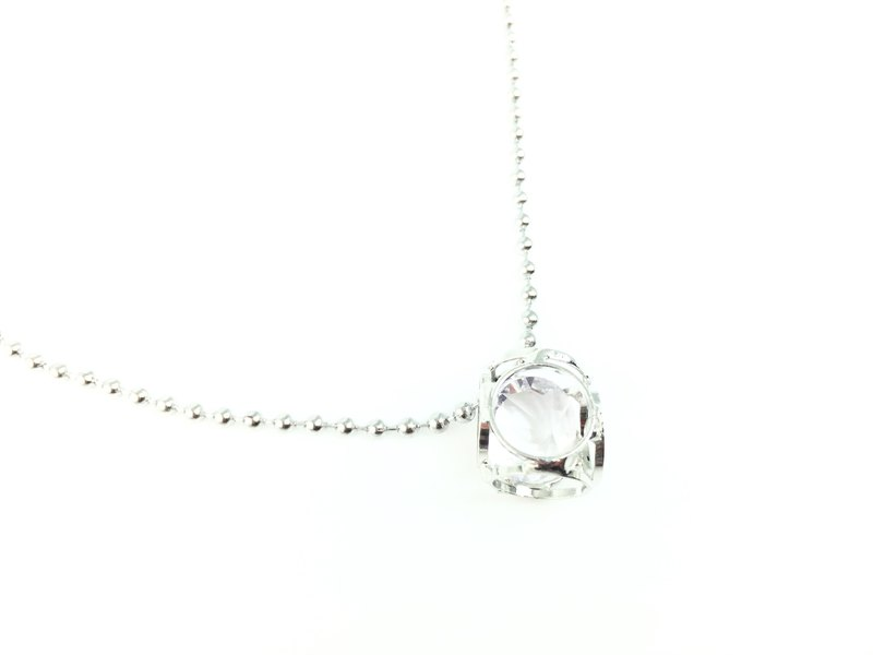 Transparent ice crystals diamond necklace