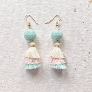 Tri-color fringed hand-made wool felt earrings can change ear clip