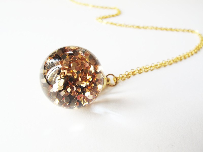 * Rosy Garden * Shiny golden glitter with water inside snow flakes glass ball pendant necklace
