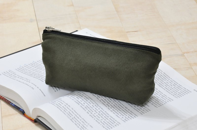 ENDURE / Army Green / Suede Material Large Size Stereo Pencil