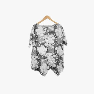 Dislocation vintage / black and white flower irregular top no.087 vintage