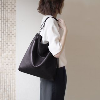 DTB Isosceles Triangle Hobo Bag 等腰三角HOBO包