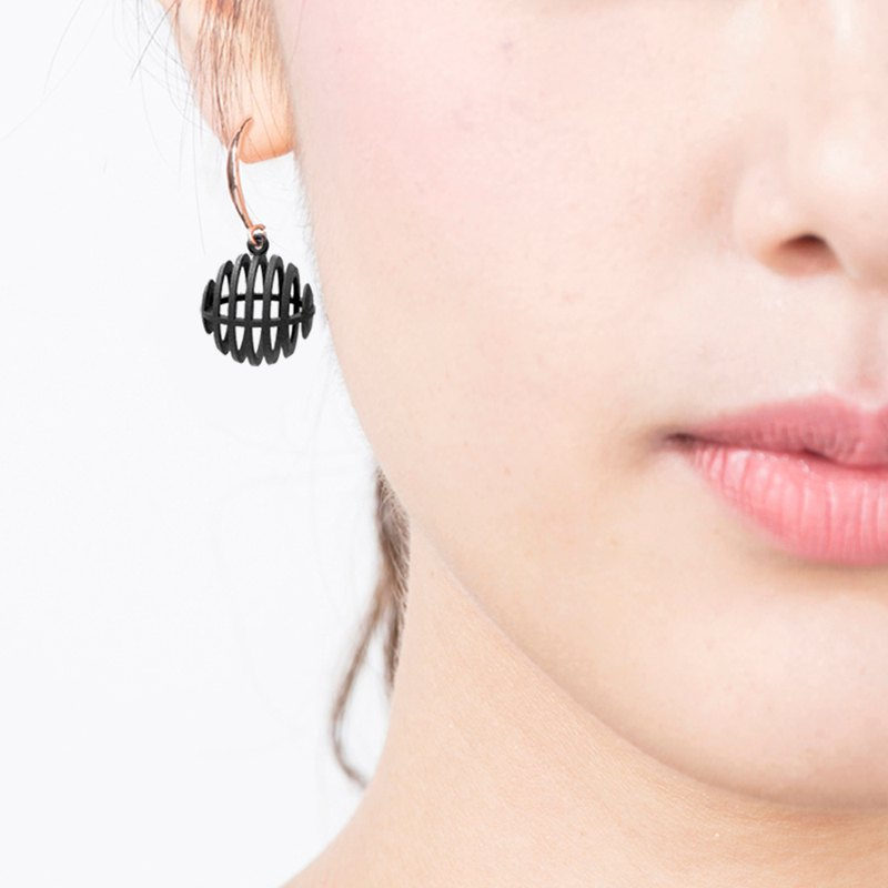 Op Sphere Earring (Black) | illusion Collection