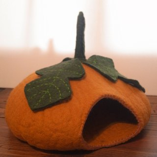 【Grooving the beats】Cat bed - cat cave - cat house - eco-friendly handmade felted wool cat bed - pumpkin