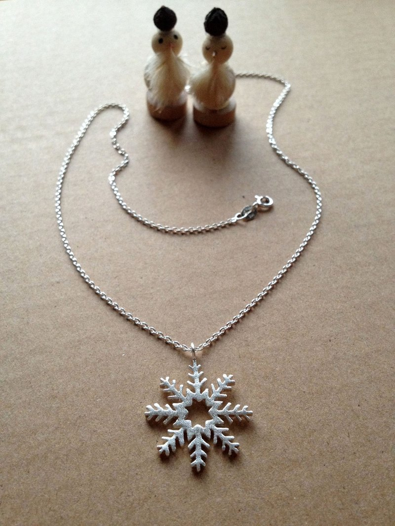 "Big Snow ""Durian Star"" - necklace <925 sterling silver Christmas>"