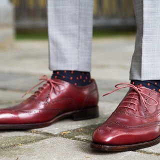 Wine red carved Oxford shoes Goodyear suture handmade